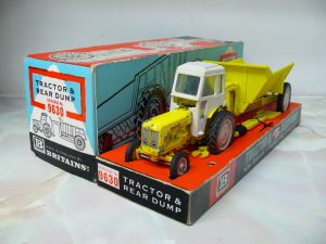 fordson-major-industrial-shawnee-pool-trailer-1965-version-britains-3